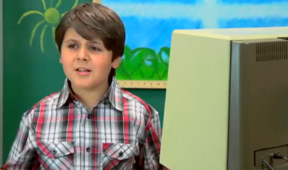 Kids React to Old Apple Computer